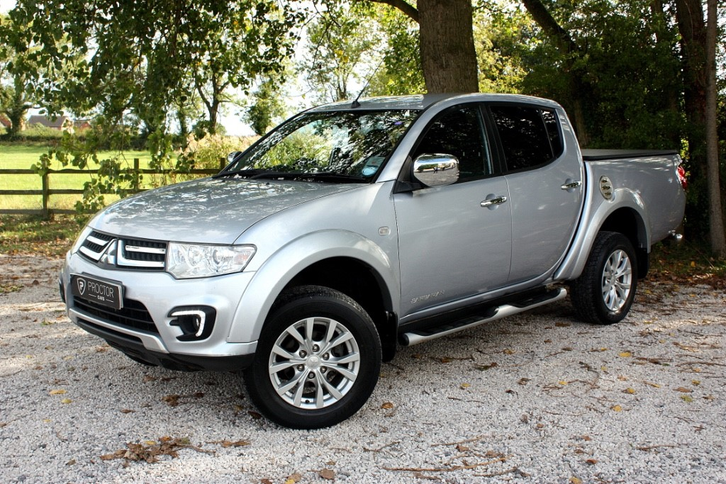 all Mitsubishi L200 2.5 DI-D CR Barbarian LB Double Cab Pickup 4WD 4dr (EU5) in wessington-derbyshire