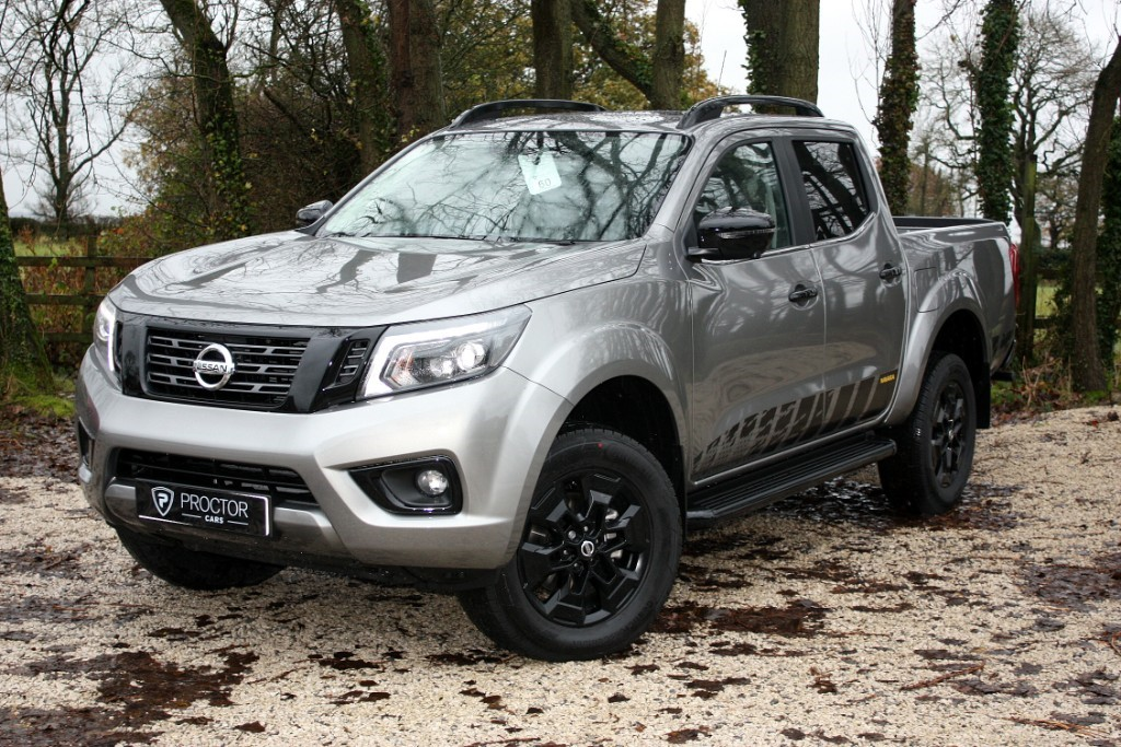 all Nissan Navara 2.3 dCi N-Guard Double Cab Pickup Auto 4WD 4dr in wessington-derbyshire