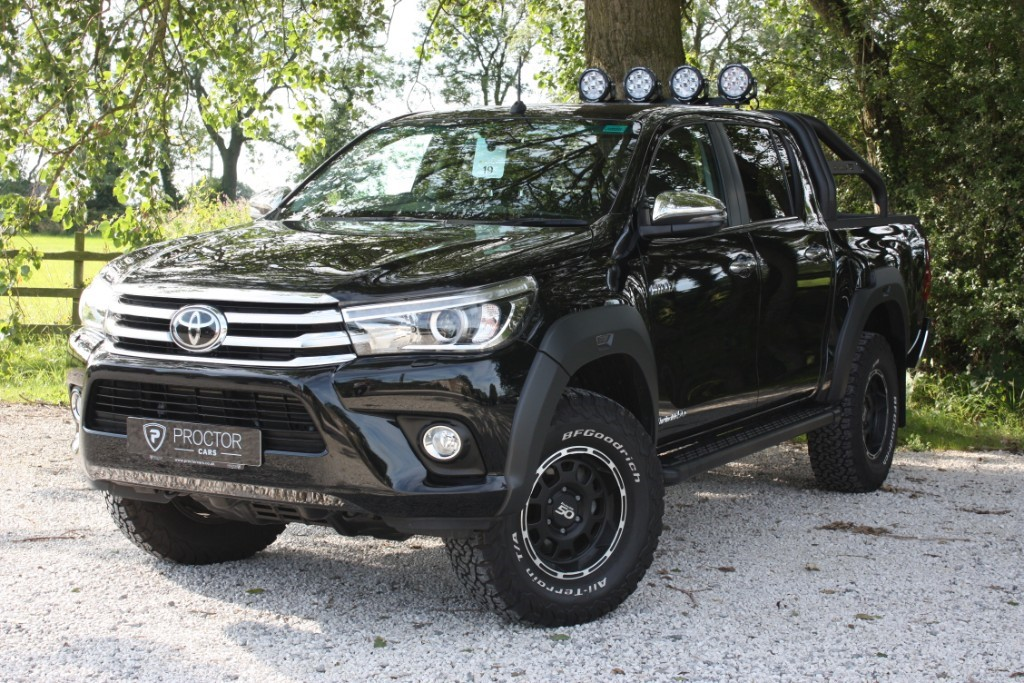 all Toyota Hilux 2.4 Invincible 50 4dr in wessington-derbyshire