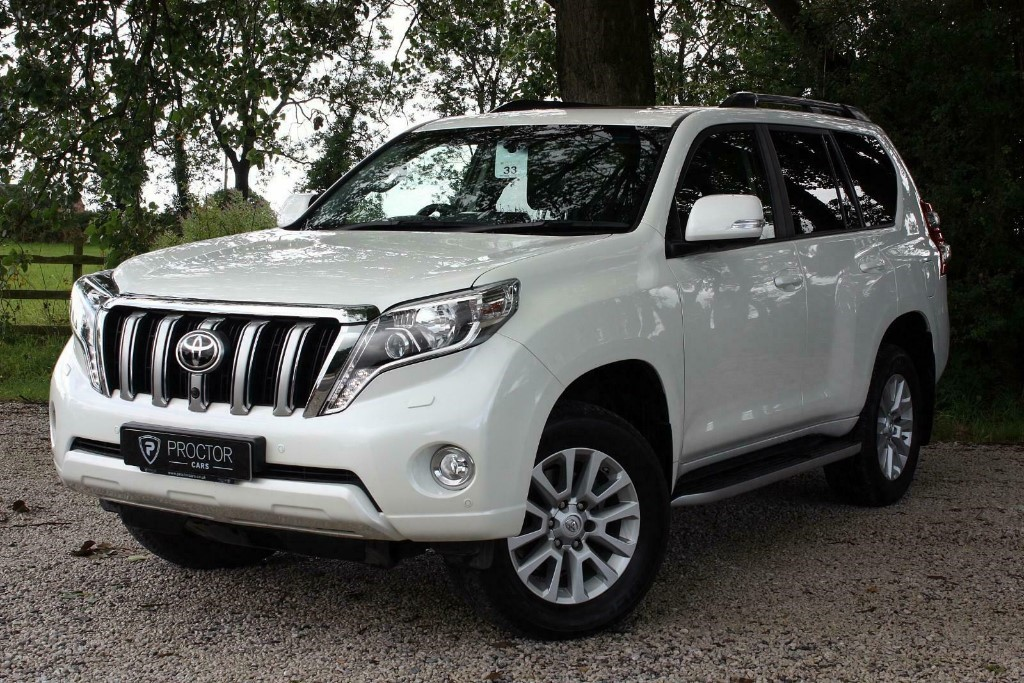 all Toyota Land Cruiser 2.8 D-4D Invincible 4x4 5dr (7 Seats) in wessington-derbyshire