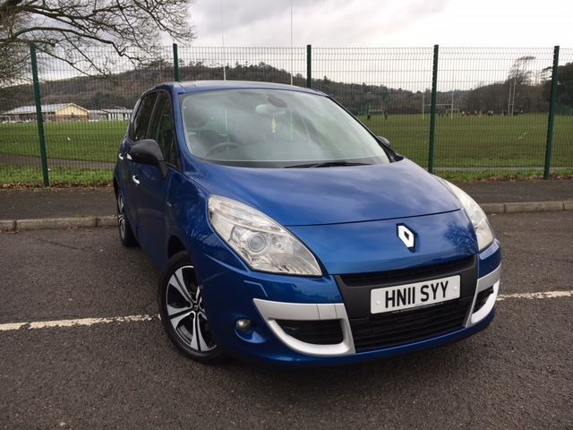 used Renault Scenic DYNAMIQUE TOMTOM BOSE ENERGY DCI S/S in llanelli-south-wales
