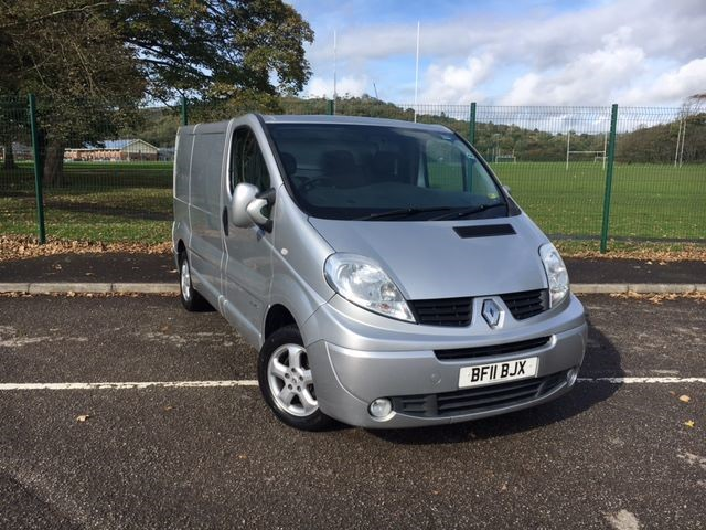 used Renault Trafic SL27 SPORT DCI S/R in llanelli-south-wales