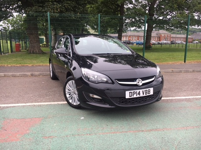 used Vauxhall Astra EXCITE in llanelli-south-wales