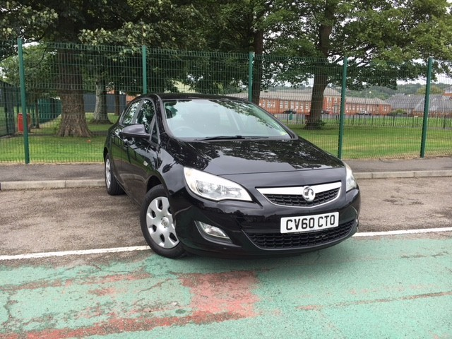 used Vauxhall Astra EXCLUSIVE in llanelli-south-wales
