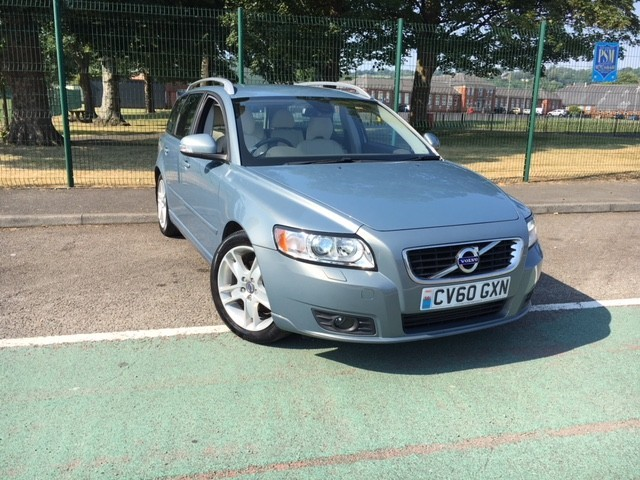 used Volvo V50 D2 SE LUX in llanelli-south-wales