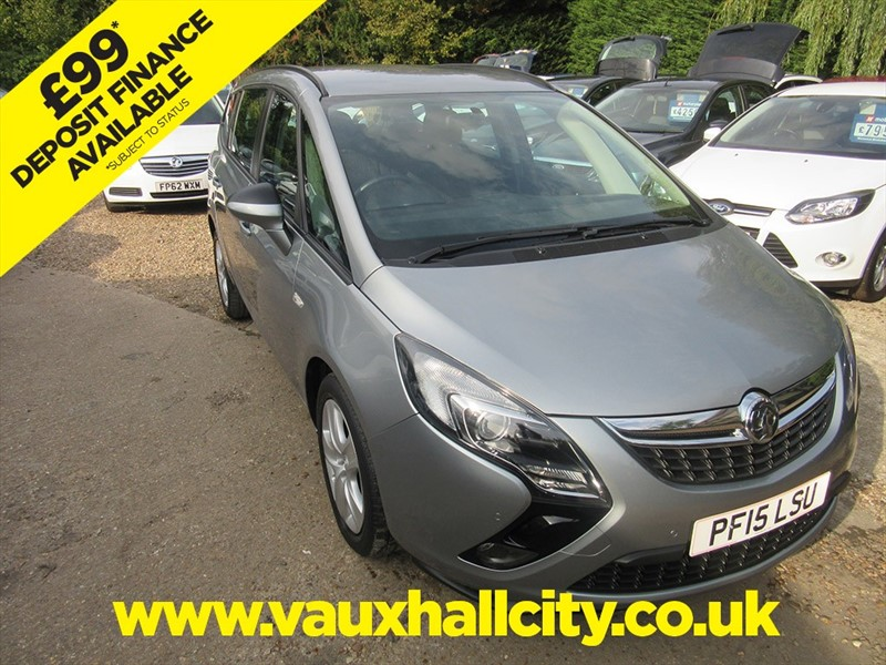 used Vauxhall Zafira Tourer EXCLUSIV in windlesham-surrey