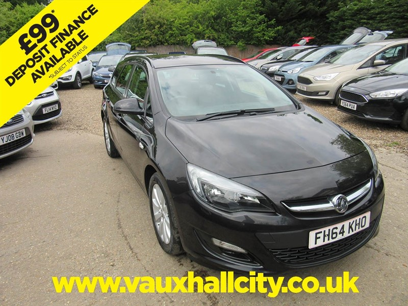used Vauxhall Astra DESIGN CDTI ECOFLEX S/S in windlesham-surrey