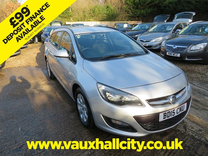 used Vauxhall Astra DESIGN CDTI ECOFLEX S/S in windlesham-surrey