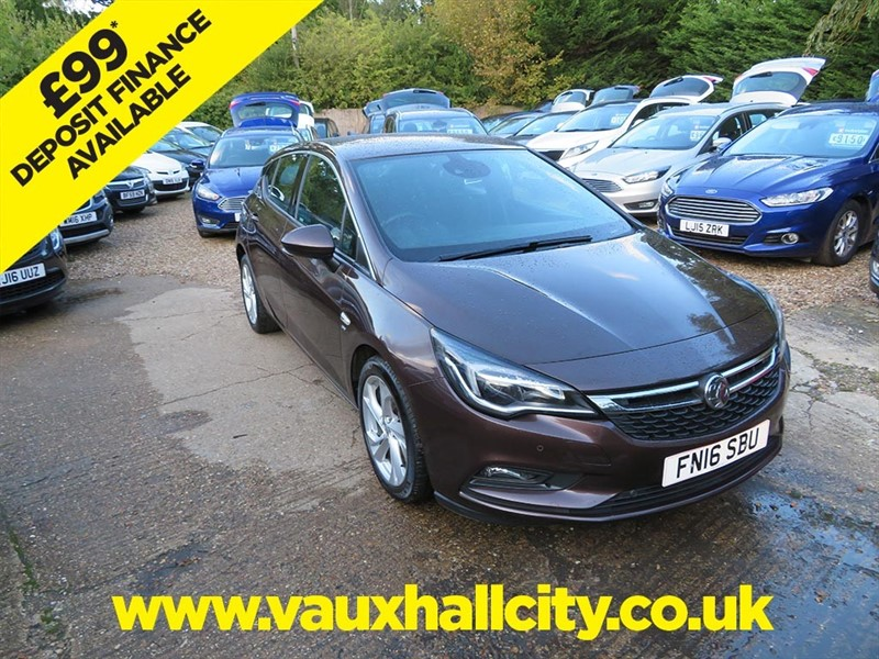 used Vauxhall Astra SRI NAV ECOFLEX S/S in windlesham-surrey