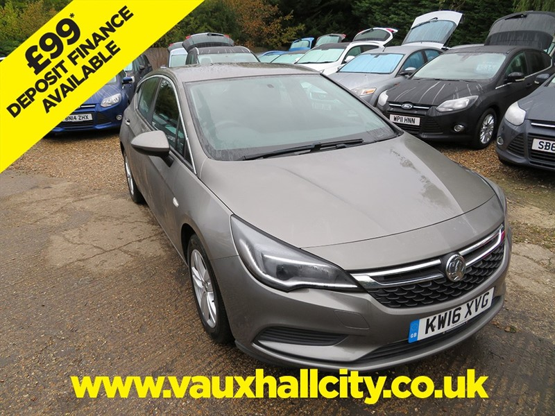 used Vauxhall Astra DESIGN ECOFLEX S/S in windlesham-surrey