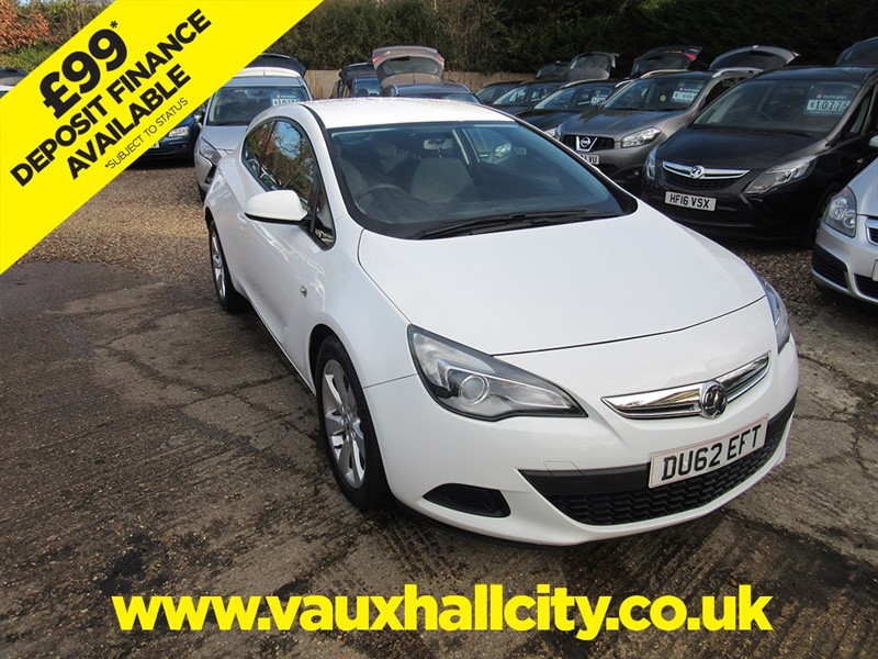 used Vauxhall Astra GTC SPORT CDTI S/S in windlesham-surrey