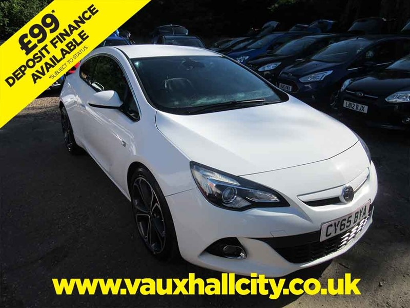 used Vauxhall Astra GTC LIMITED EDITION CDTI S/S in windlesham-surrey