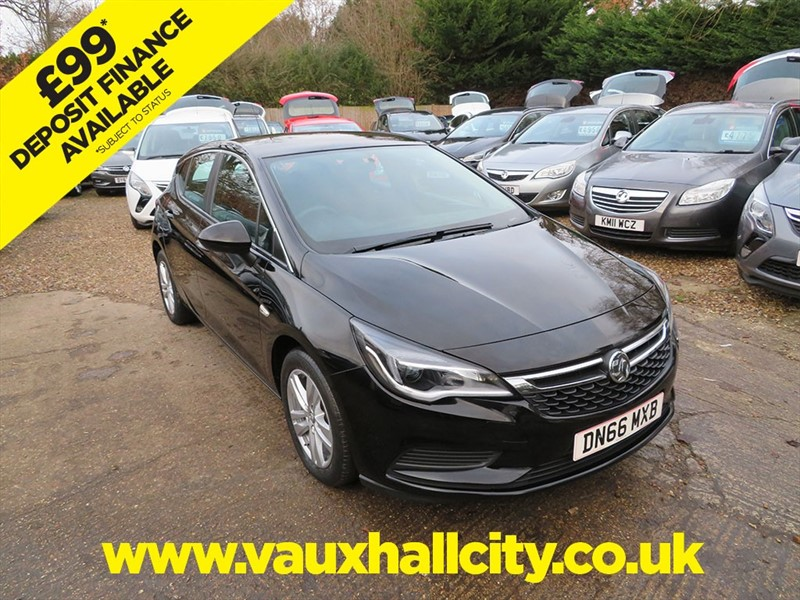 used Vauxhall Astra DESIGN S/S in windlesham-surrey