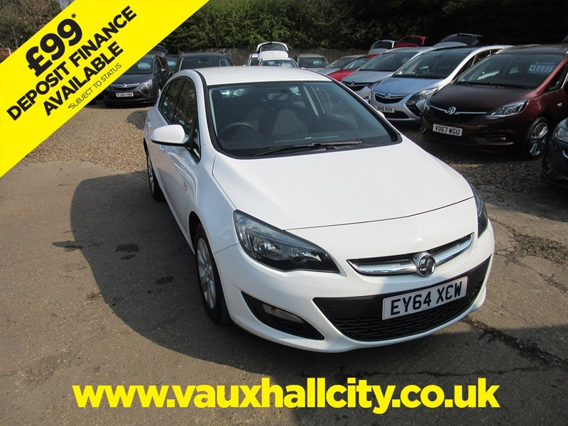 used Vauxhall Astra DESIGN in windlesham-surrey