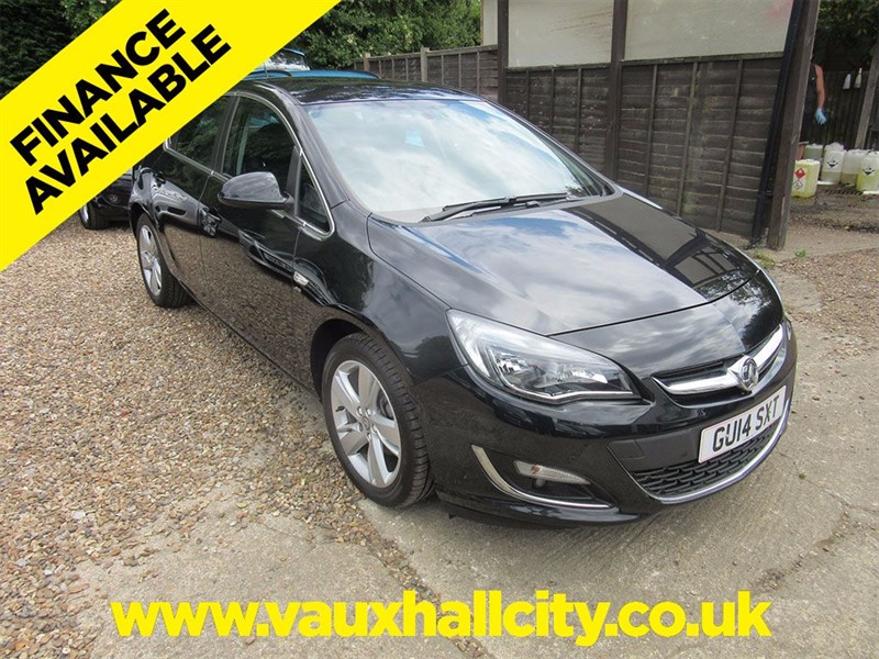 used Vauxhall Astra SRI in windlesham-surrey