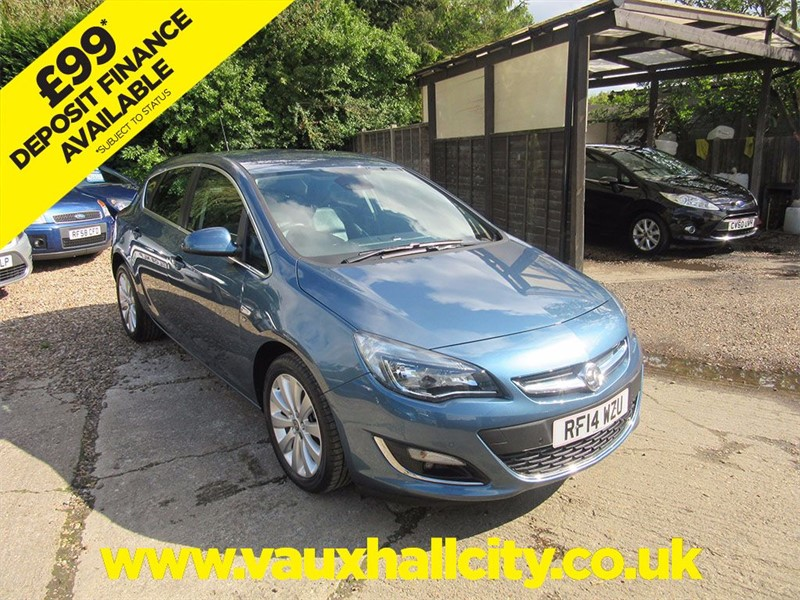 used Vauxhall Astra ELITE in windlesham-surrey