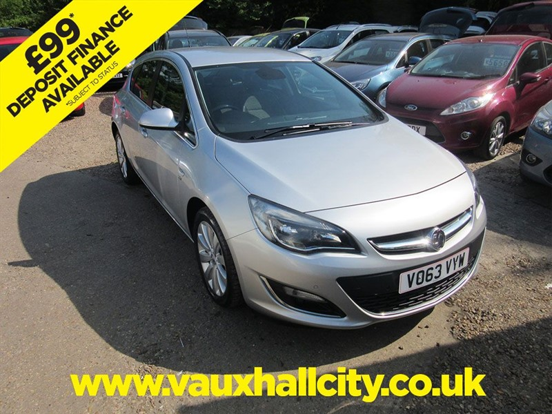 used Vauxhall Astra SE in windlesham-surrey
