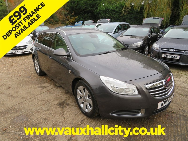 used Vauxhall Insignia SE CDTI in windlesham-surrey