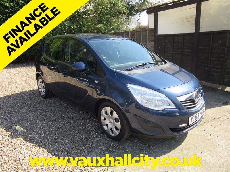 used Vauxhall Meriva i 16v Exclusiv 5dr (a/c) in windlesham-surrey
