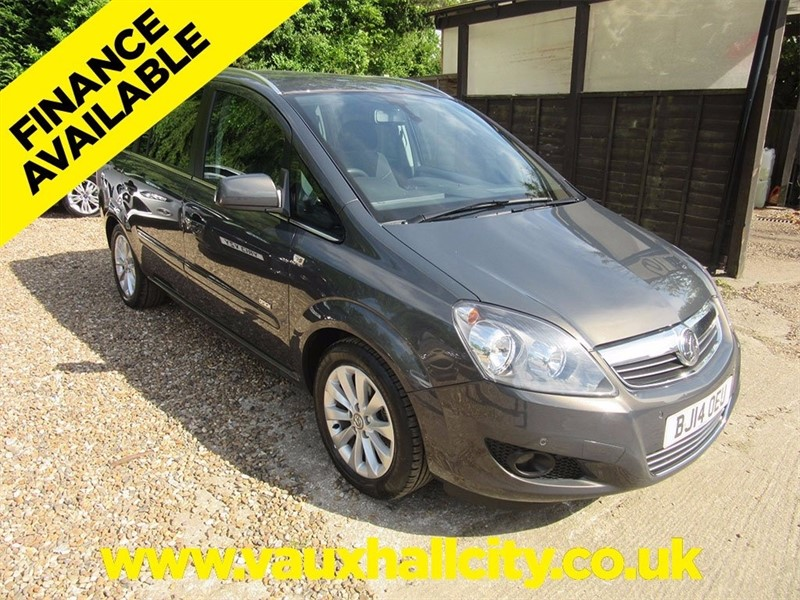 used Vauxhall Zafira i VVT 16v Design 5dr in windlesham-surrey