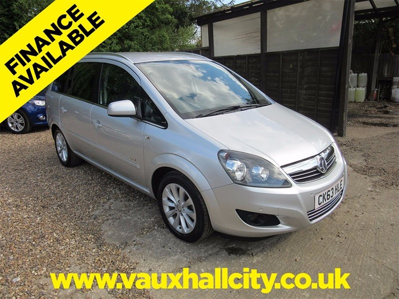 used Vauxhall Zafira 1.8 i VVT 16v Design 5dr (nav) in windlesham-surrey