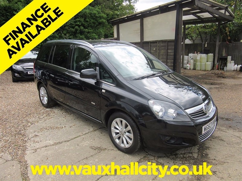 used Vauxhall Zafira i VVT 16v Design 5dr (nav) in windlesham-surrey