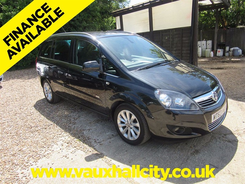 used Vauxhall Zafira DESIGN in windlesham-surrey