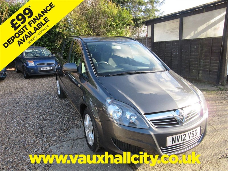 used Vauxhall Zafira EXCLUSIV in windlesham-surrey