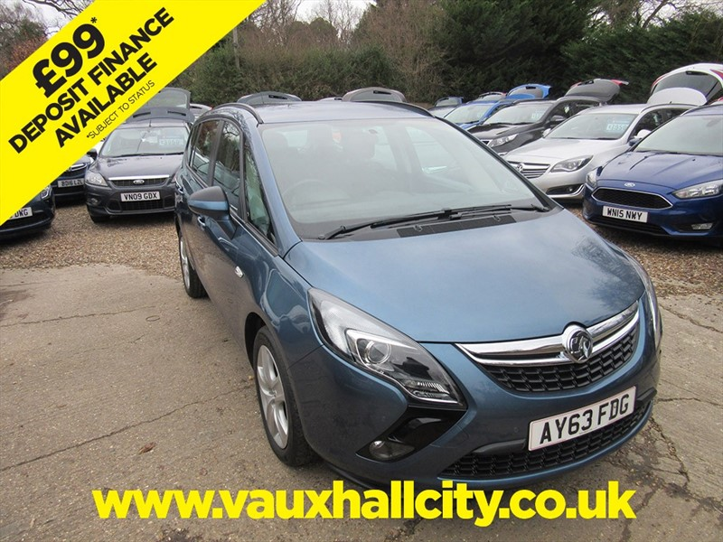 used Vauxhall Zafira Tourer EXCLUSIV in windlesham-surrey