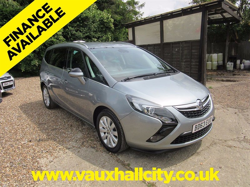 used Vauxhall Zafira Tourer SE AUTOMATIC in windlesham-surrey