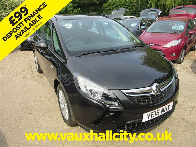 used Vauxhall Zafira Tourer DESIGN in windlesham-surrey