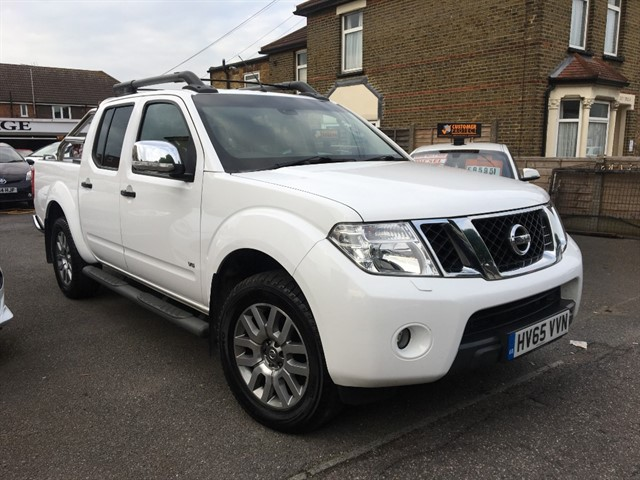 used Nissan Navara DCI OUTLAW 4X4 SHR DCB in essex