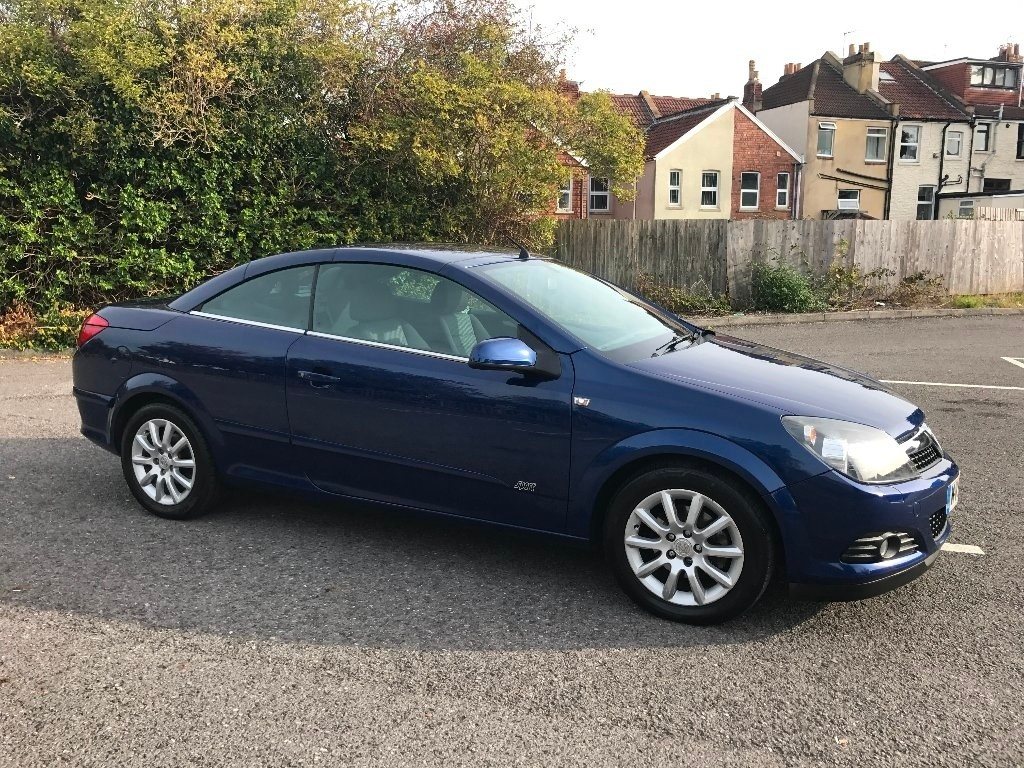 used Vauxhall Astra i Sport Twin Top 2dr in bristol