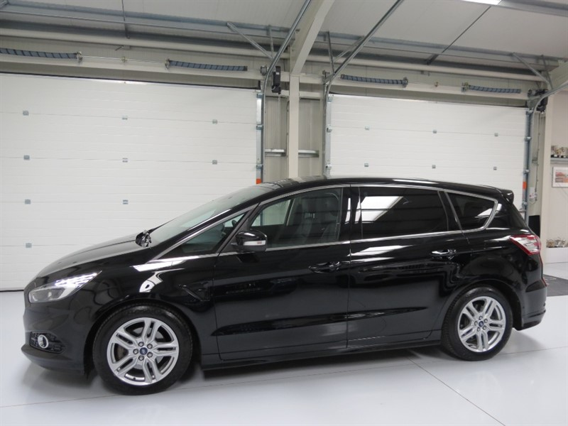used Ford S-Max TITANIUM SPORT TDCI in northamptonshire