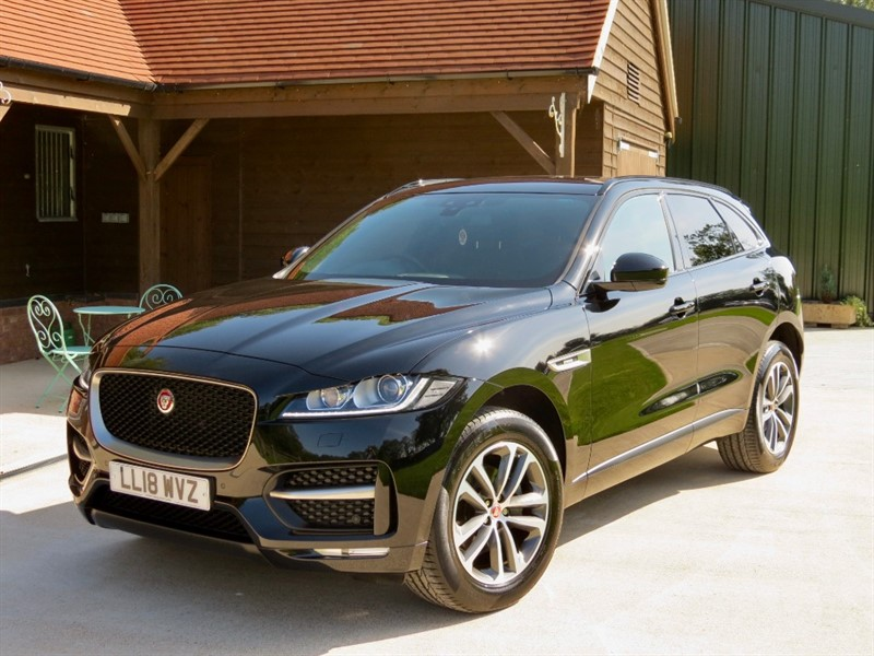 used Jaguar F-Pace I R-SPORT AWD in northamptonshire