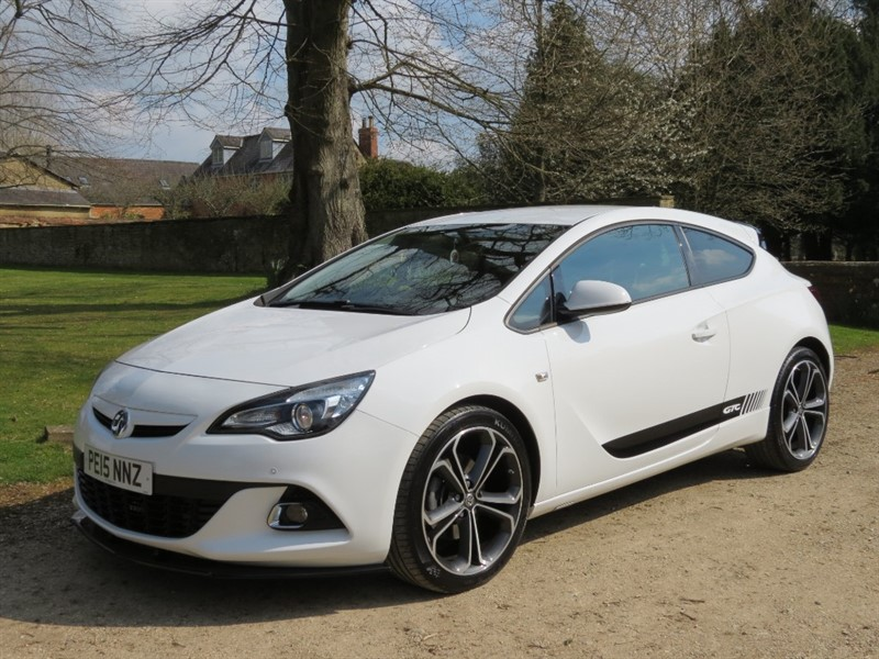 used Vauxhall Astra GTC 1.4T 16V 140 LIMITED EDITION in northamptonshire