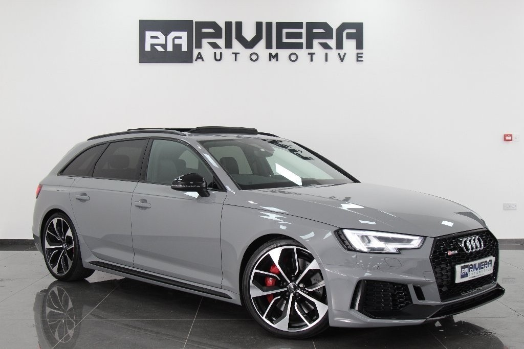 used Audi RS4 TFSI Avant Tiptronic Quattro 5dr in west-yorkshire