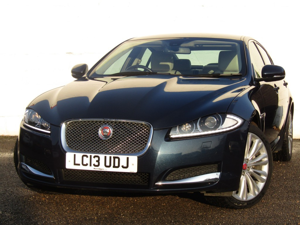 used Jaguar XF 3.0d V6 Portfolio Auto Saloon in suffolk