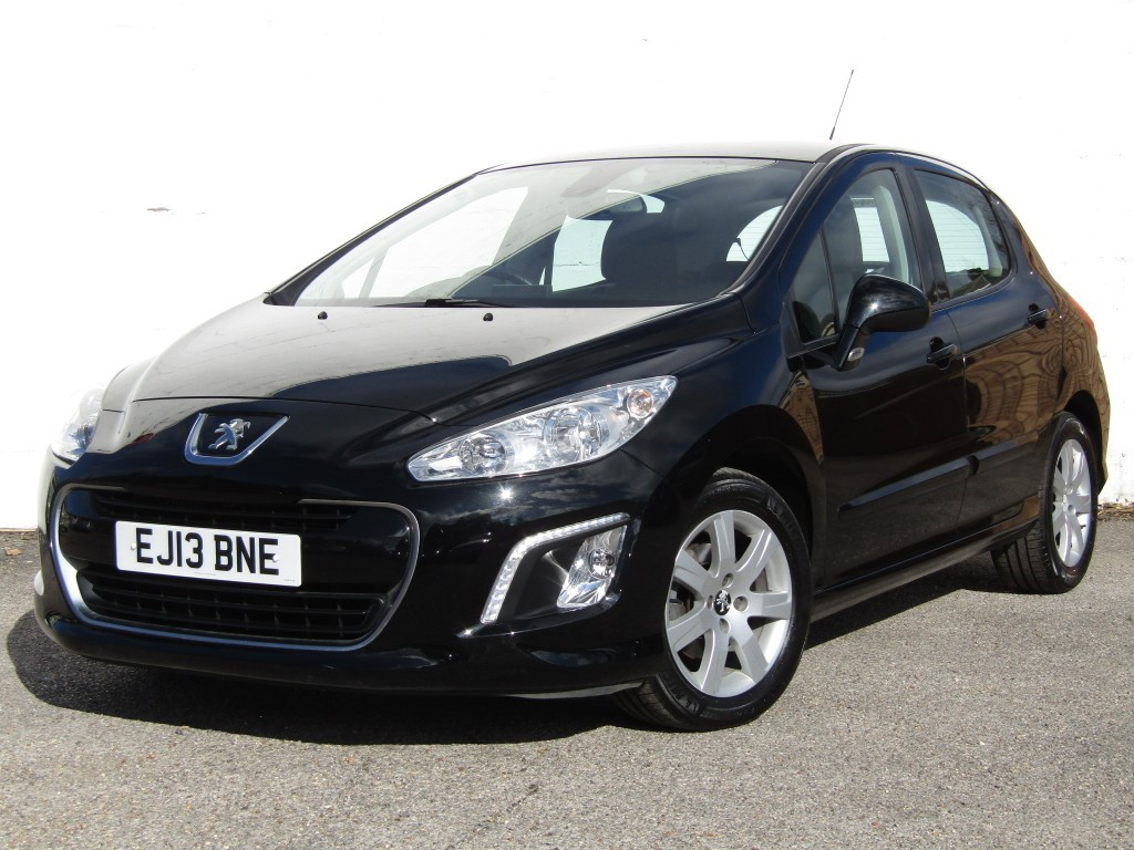 used Peugeot 308 1.6 HDi Active Navigation Version 5 door in suffolk