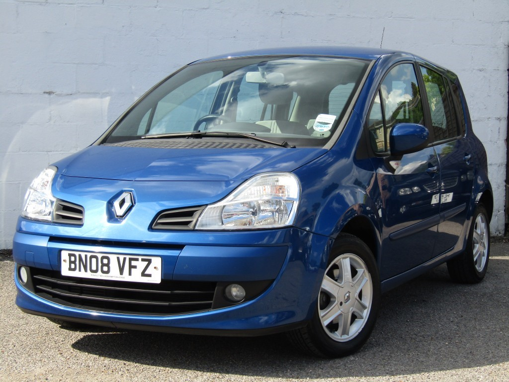 used Renault Grand Modus 1.1 TCE Dynamique 5 door in suffolk