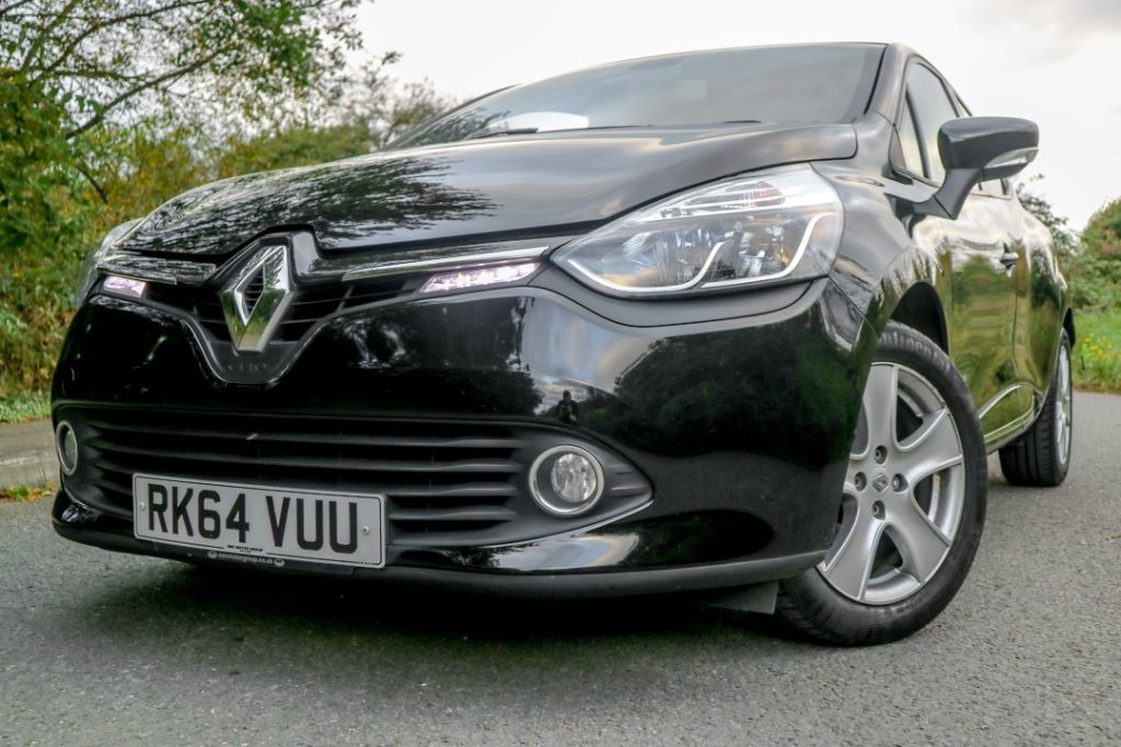 used Renault Clio DYNAMIQUE MEDIANAV in essex