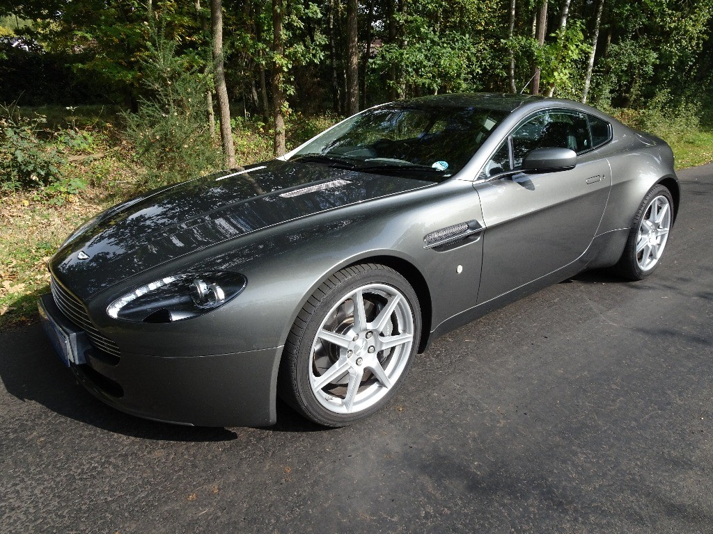 used Aston Martin Vantage V8 in chobham-surrey