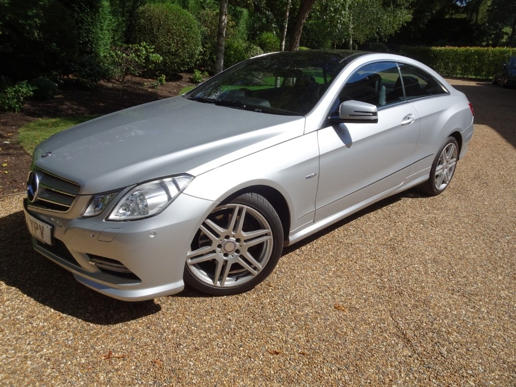 used Mercedes E200 CGI BLUEEFFICIENCY S/S SPORT in chobham-surrey