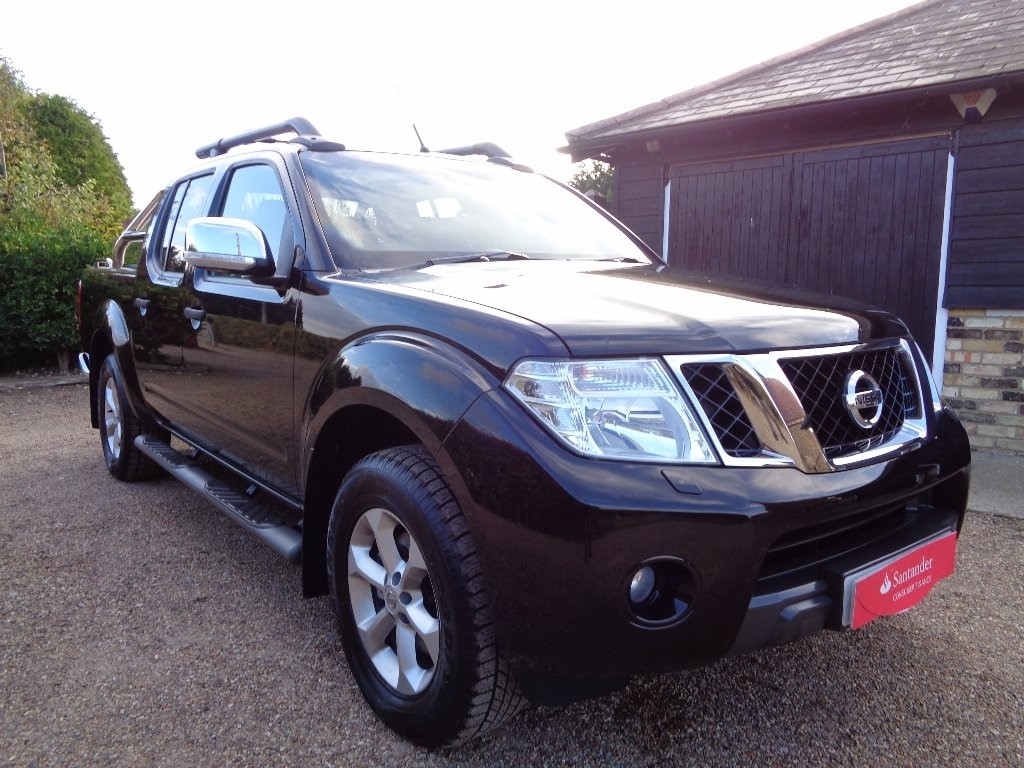 used Nissan Navara dCi Tekna Connect Premium Double Cab Pickup 4dr (EU5)