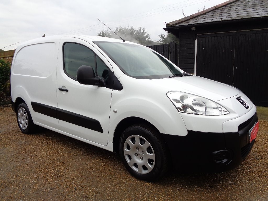 used Peugeot Partner HDi Professional L1 625 4dr