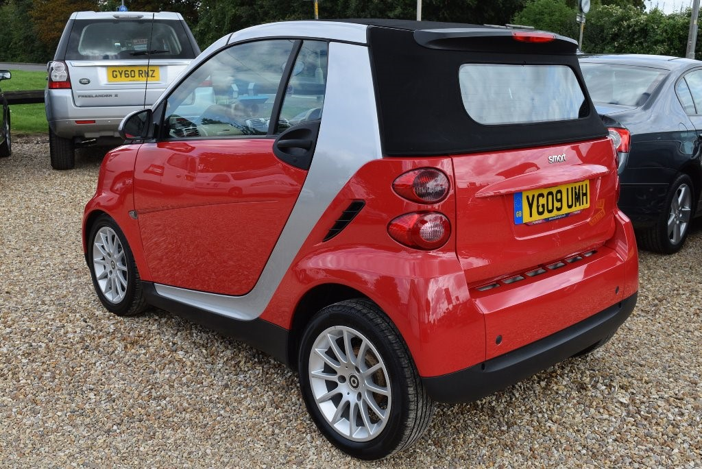 used red smart car fortwo cabrio for sale lincolnshire. Black Bedroom Furniture Sets. Home Design Ideas