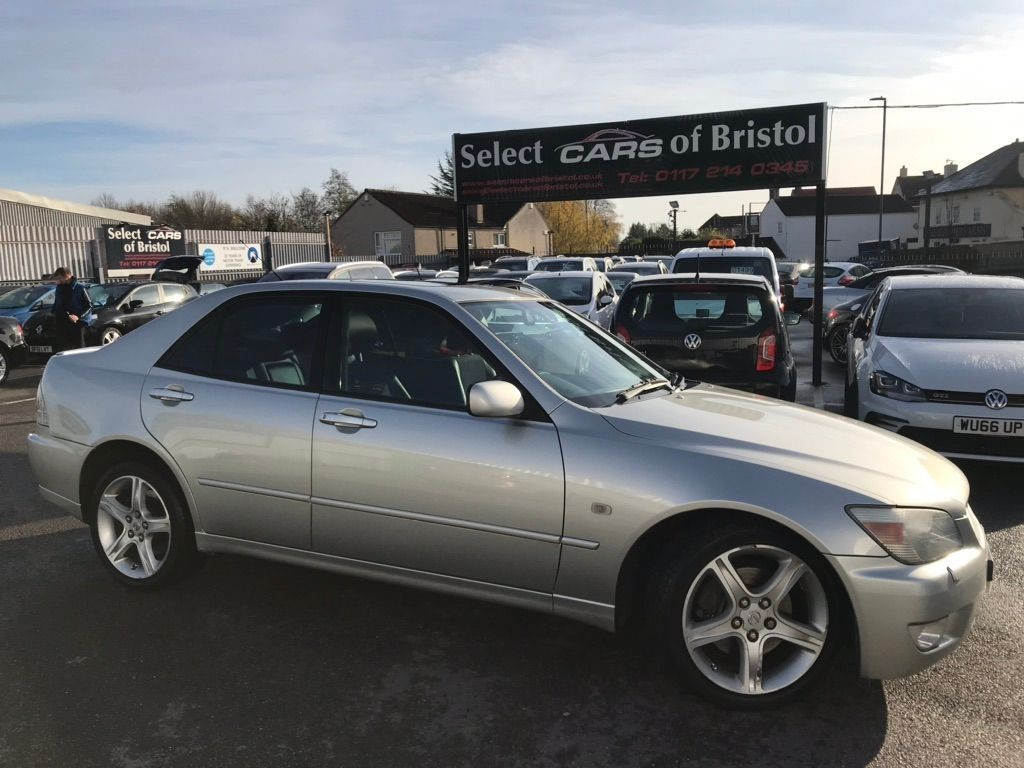 used Lexus IS 200 Sport 4dr