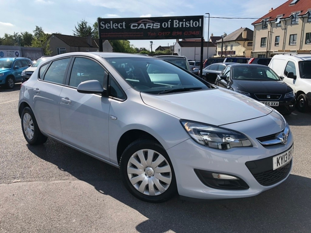 used Vauxhall Astra CDTi ecoFLEX Exclusiv Hatchback 5dr (s/s) (110 ps)