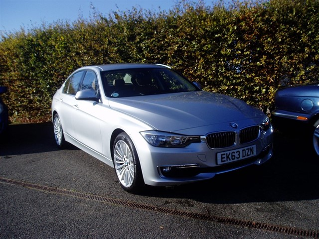 used BMW 320i LUXURY in lawford-manningtree