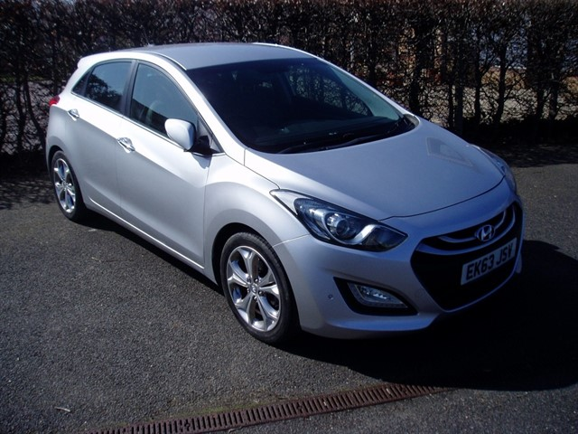 used Hyundai i30 PREMIUM in lawford-manningtree